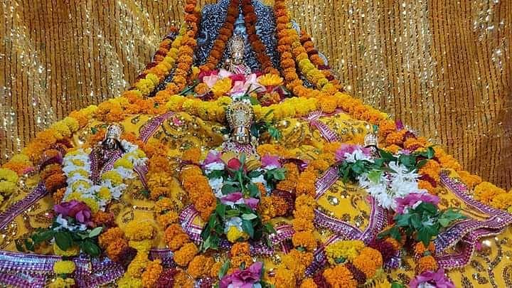 अयोध्या राम नवमी: राम लला सहित चारों भाइयों को स्वर्ण मुकुट पहनाया गया