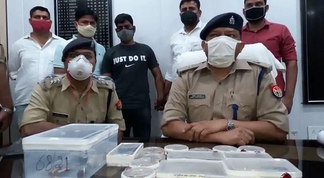 मेरठ : सर्राफ को लूटने वाले बदमाश से बरामद हुए दस लाख के आभूषण