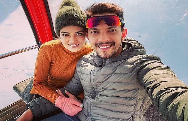 aditya-narayan-and-his-wife-shweta-aggarwal-get-corona-infected