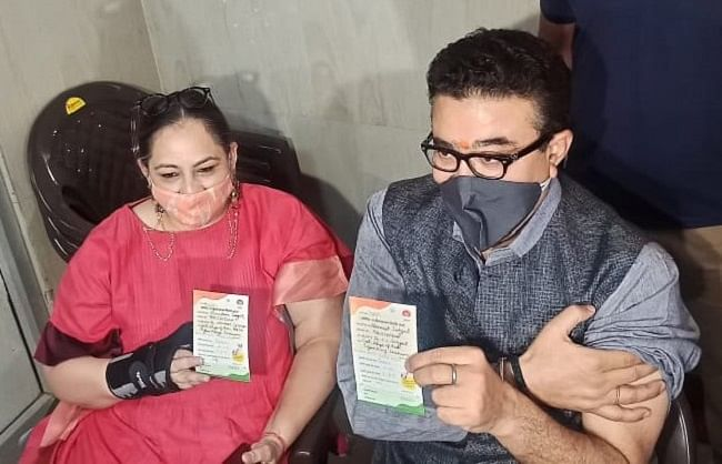 dr-navneet-sehgal-and-his-wife-vandana-sehgal-got-the-corona-vaccine-installed