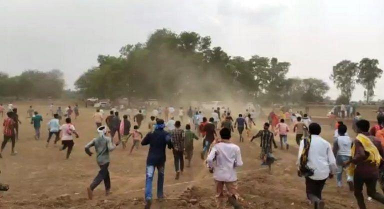 जगदलपुर : जनसुनवाई पत्थरबाजी मामले में 15 नामजद सहित सैकड़ों ग्रामीणों पर एफआईआर दर्ज