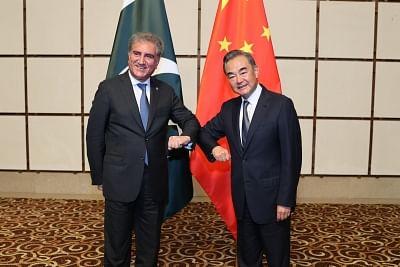 चीनी, पाक वित्त मंत्री ने द्विपक्षीय संबंधों पर की बातचीत