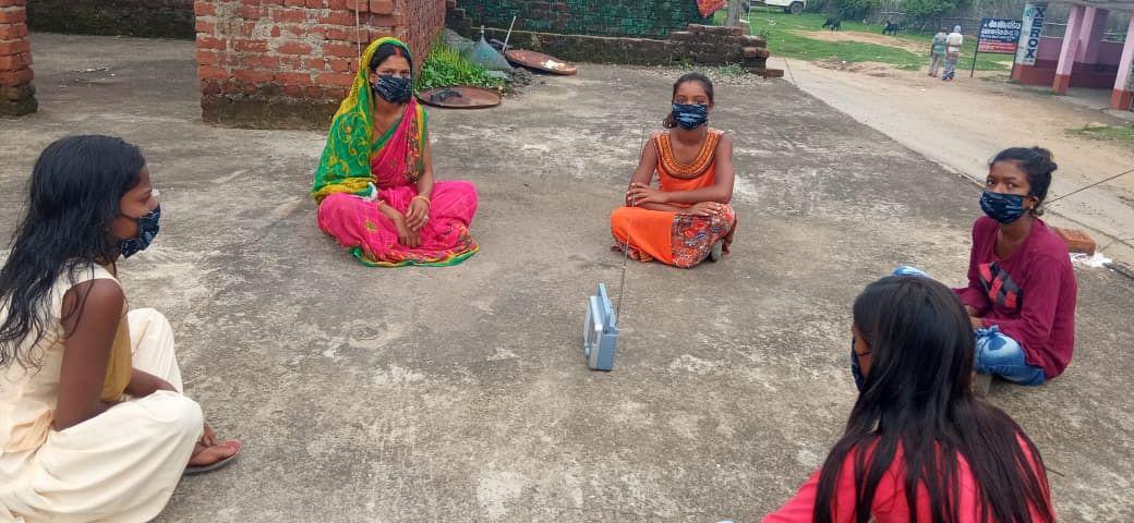 तेजस्विनी परियोजना के सदस्यों ने सुनी पीएम मोदी के 'मन की बात'