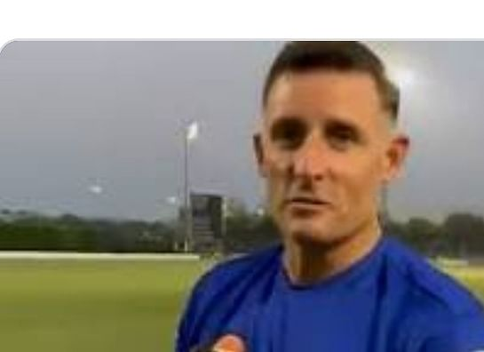 चेन्नई सुपर किंग्स  के बल्लेबाजी कोच माइकल हसी कोरोना से हुए संक्रमित