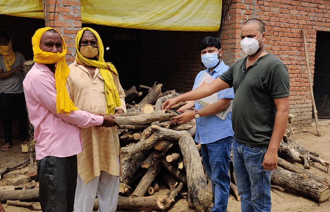 ghazipur-youth-built-39wood-bank39-for-last-rites