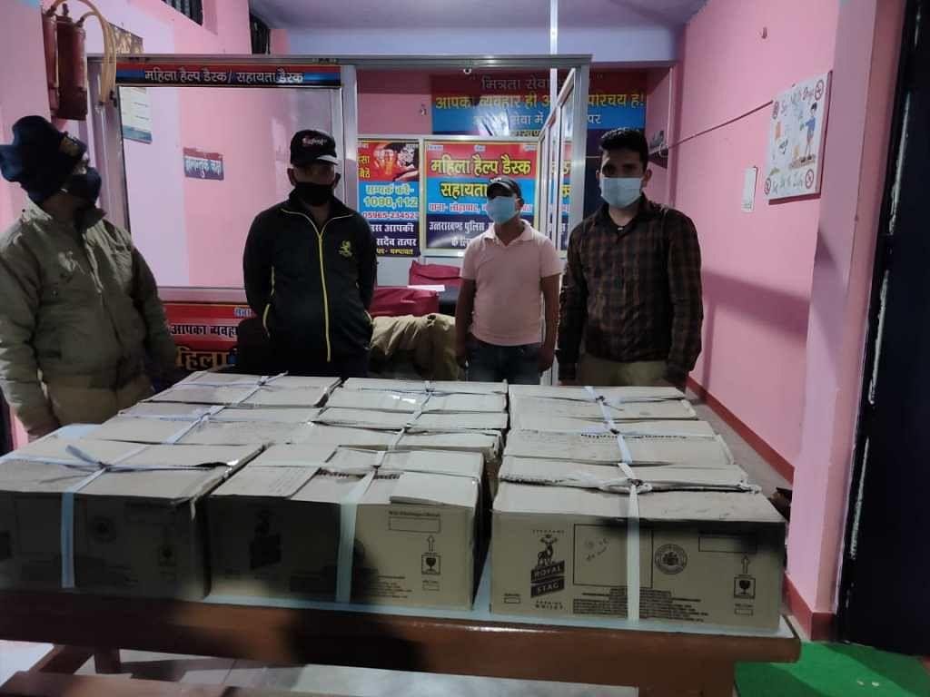 चम्पावत पुलिस ने 24 पेटी शराब के साथ पूर्व सैनिका को गिरफ्तार किया