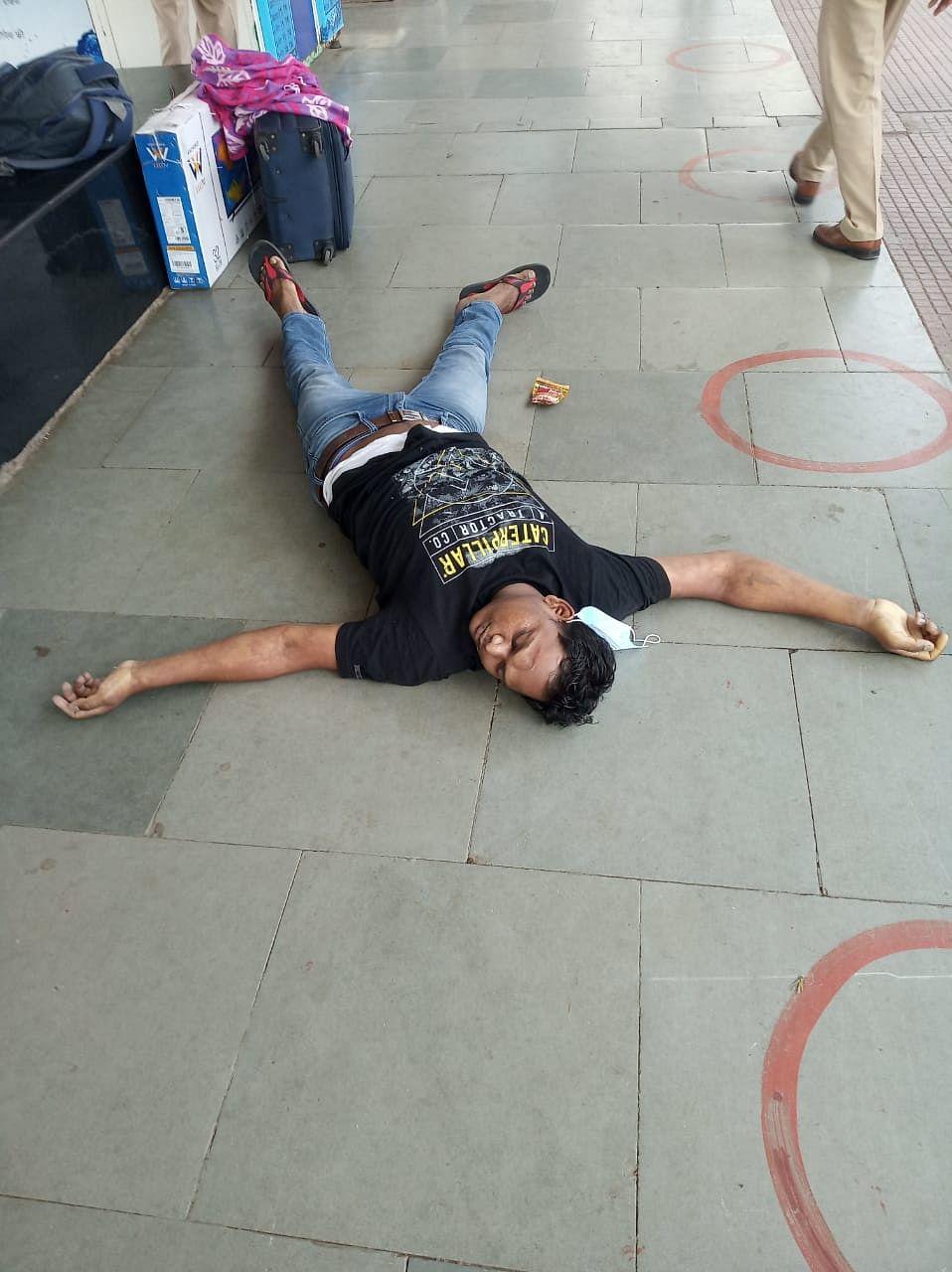 नई दिल्ली ट्रेन से रांची पहुंचा एक यात्री, स्टेशन पर  हुई मौत