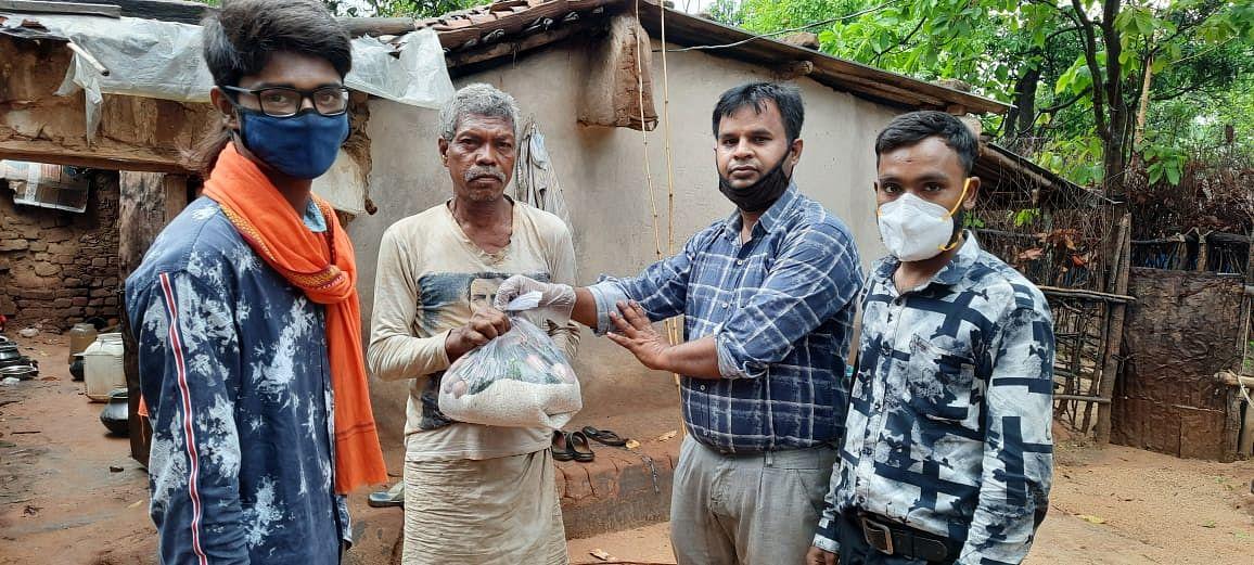 स्वयंसेवकों व सेवा भारती ने कोयलांचल की बस्तियों में बढ़ाया सहयोग का हाथ
