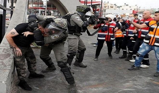 प्रदर्शनकारियों और इज़राइली पुलिस के बीच हुई झड़प में करीब 153 फलस्तीनी घायल