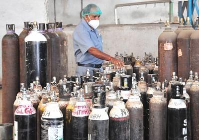दिल्ली: 24 घंटे में ही 153 मीट्रिक टन कम हुई ऑक्सीजन सप्लाई