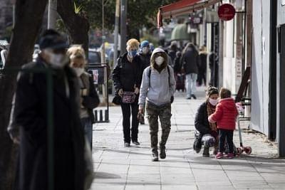 अर्जेंटीना में कोविड-19 से मरने वालों की संख्या बढ़कर 73,000 हुई