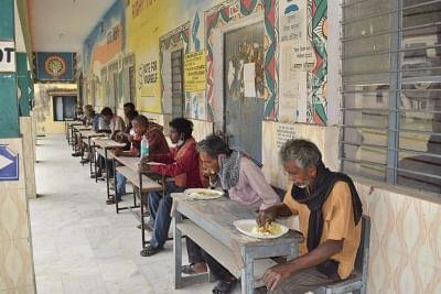 बिहार: लॉकडाउन में निर्धनों का पेट भर रहा सामुदायिक किचन