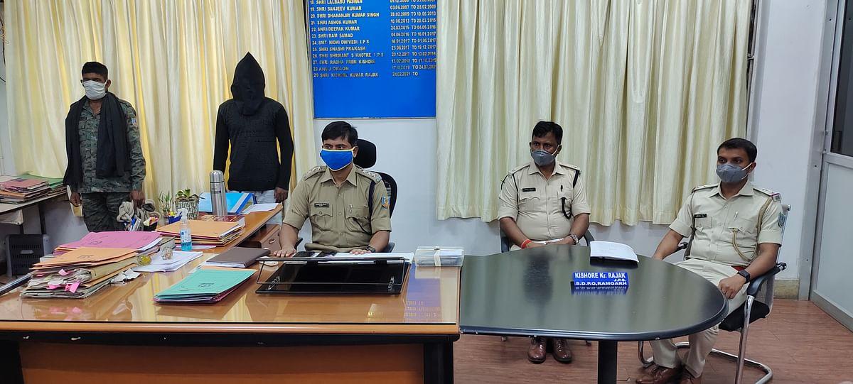 नाइन एमएम पिस्तौल के साथ कुख्यात अपराधी आकाश राम गिरफ्तार