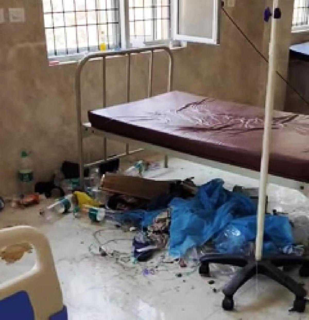 चित्रकूट : कोरोना के साथ गन्दगी बनी जान की दुश्मन,अस्पतालों की स्थिति भयावह