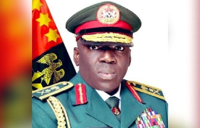 नाइजीरिया के सैन्य प्रमुख की विमान हादसे में मौत, सात अन्य अधिकारियों की भी मौत