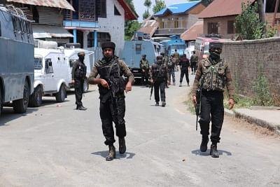 उत्तरी कश्मीर के सोपोर में गोलाबारी