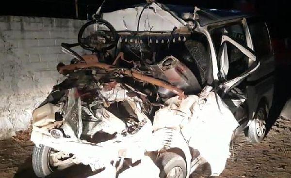 शादी से लौट रहा वाहन पालनपुर के रतनपुर के पास दुर्घटनाग्रस्त , 4 की मौत, 3 घायल