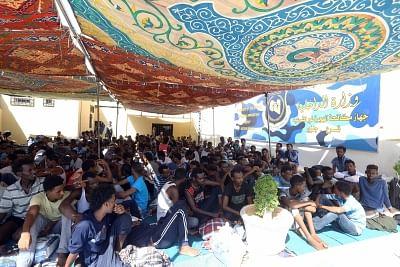 कुछ 600 अवैध प्रवासियों को लीबिया के तट से बचाया गया