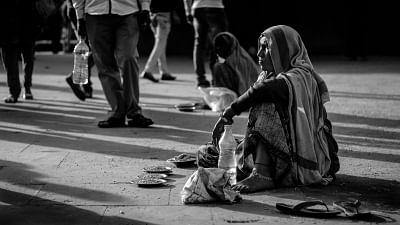 corona-epidemic-pushes-23-crore-indians-into-poverty---report