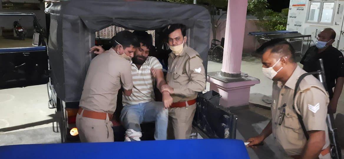 फिरोजाबाद: मुठभेड़ में 25 हजार का इनामी हिस्ट्रीशीटर गिरफ्तार