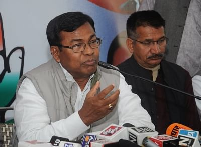 बिहार में कांग्रेस के सभी सांसद, एमएलए, एमएलसी देंगे 2-2 एम्बुलेंस :  भक्त चरण दास