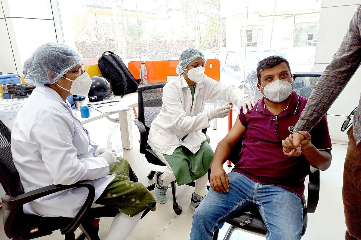 मध्य प्रदेश में मीडिया प्रतिनिधियों के लिए लगा वैक्सीनेशन कैम्प