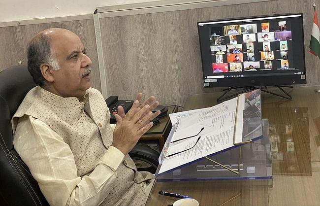 कोविड-19 : नगर विकास मंत्री ने 14 जिलों के नगर पंचायत अध्यक्षों, अधिशासी अधिकारियों से ली जानकारी