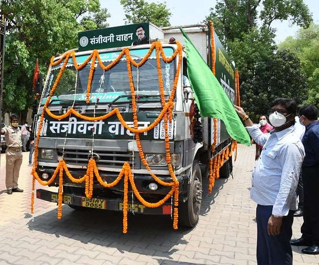 chief-minister-flagged-off-sanjeevani-vehicle