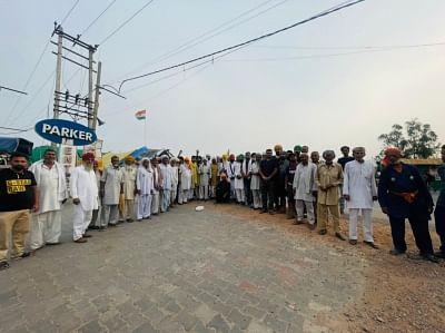 किसानों की तरफ से खुले हैं रास्ते, दिल्ली पुलिस ने कर रखी है बेरिकेडिंग : एसकेएम