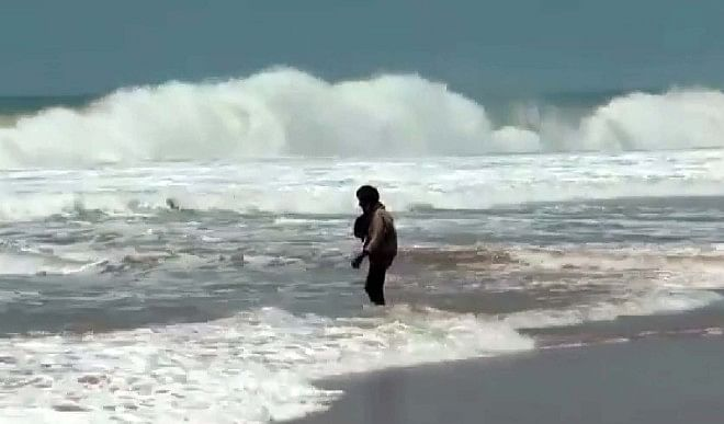 Cyclone Tauktae : केरल में मूसलाधार बारिश से सैकड़ों मकान क्षतिग्रस्त, समुद्री पुल में दरार