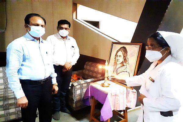 रायपुर : 76 नर्सिंग स्टॉफ को कोरोना योद्धा के रूप में सम्मानित किया गया