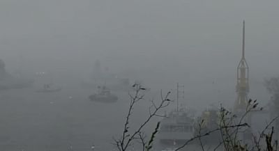 indian-navy-ships-to-rescue-273-stranded-people-near-bombay-high