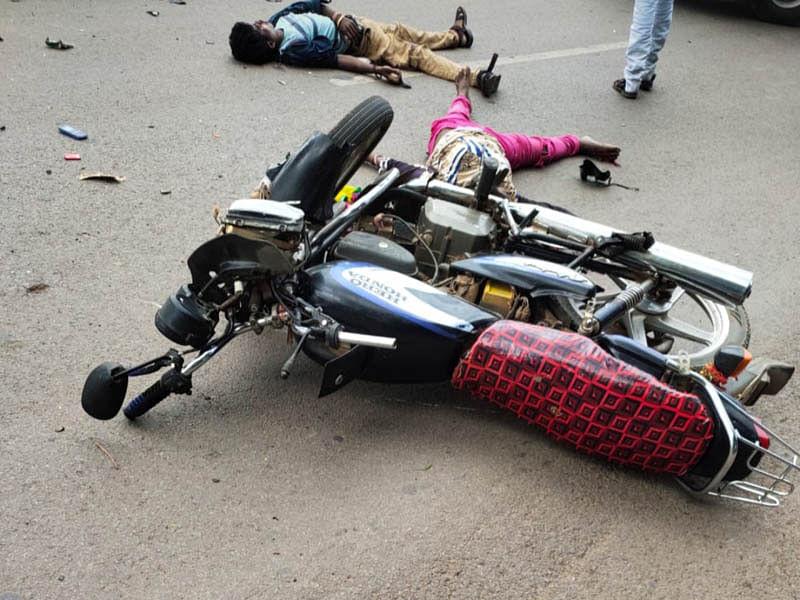 जगदलपुर:सड़क हादसे में बाइक सवार युवक-युवती की दर्दनाक मौत