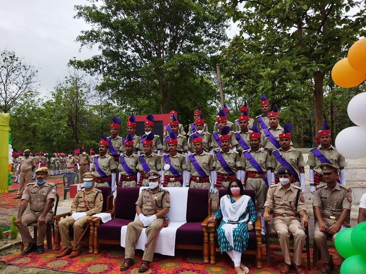 रिक्रूट आरक्षियों को दीक्षान्त समारोह में एडीजी ने दिलाई शपथ