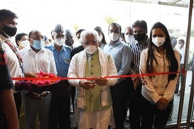 हरियाणा के मुख्यमंत्री ने गुरुग्राम में 100 बिस्तरों वाले कोविड केंद्र का किया अनावरण