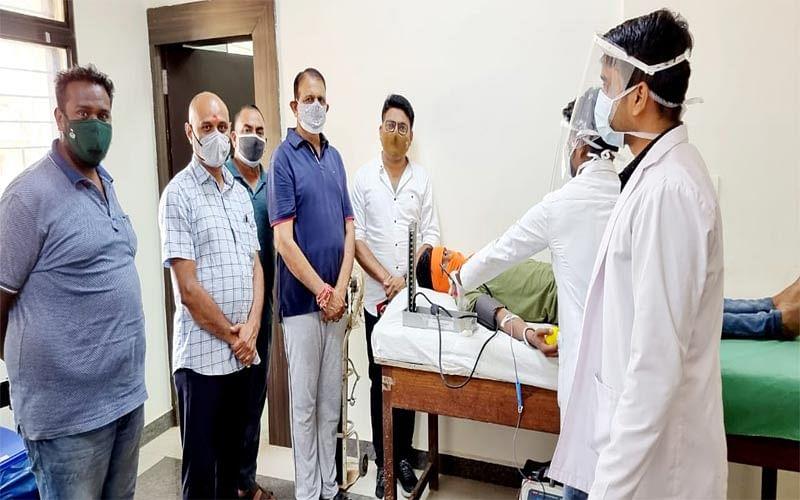jagdalpur-bjp-city-board-workers-donated-blood