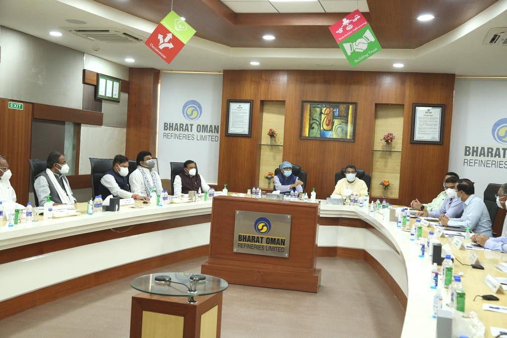 मुख्यमंत्री शिवराज ने बताईं एक हजार बिस्तर के अस्थायी कोविड अस्पताल की विशेषताएं, दिए अधिकारियों को निर्देश
