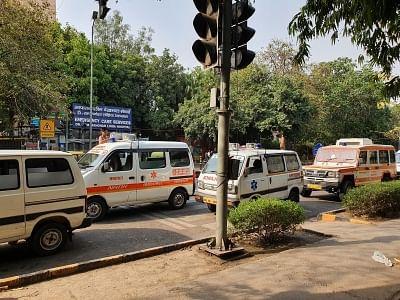 दिल्ली में निजी एम्बुलेंस की अधिकतम दरों से संतुष्ट चालक, लेकिन सामने आई नई दुविधा