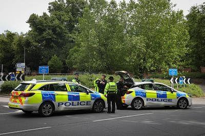 ब्रिटेन की पुलिस ने अपराध नेटवर्क पर कसा शिकंजा, 1,100 संदिग्धों को किया गिरफ्तार