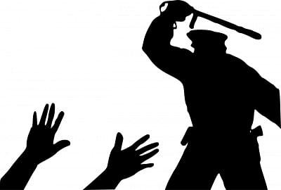 वाराणसी में अपराधियों के खिलाफ ऑपरेशन दस्तक शुरू