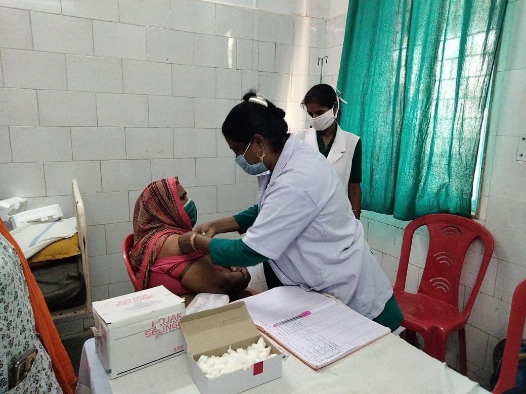 बुधवार से जिले के साढ़े तीन लाख युवाओं को लगेगा कोरोना का टीका,तैयारी पूर्ण
