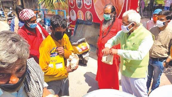 पंचायती अखाड़ा श्री निरंजनी में गरीबों के लिए अन्नपूर्णा सेवा प्रारंभ