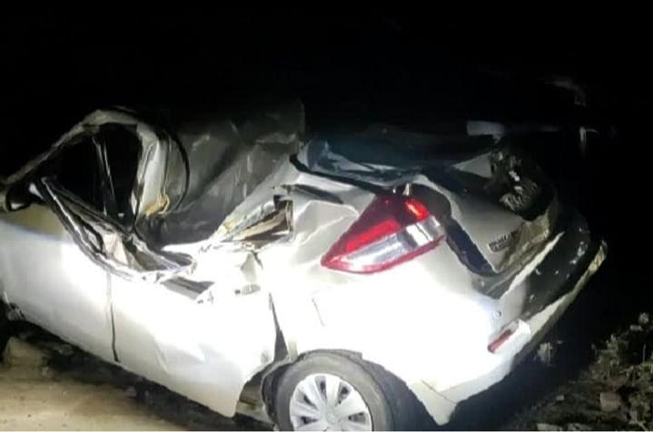 फिरोजाबाद: बारात की कार पेड़ से टकराई, चार लोगों की मौत