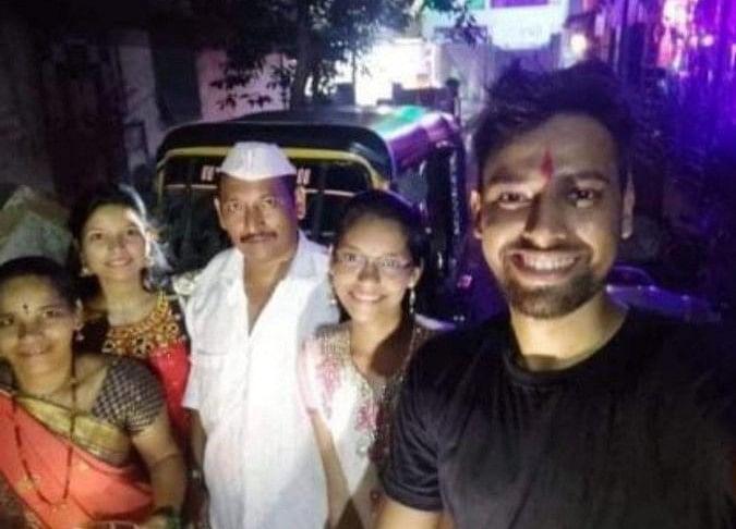 आटो चालक का बेटा बना इसरो में जूनियर साइंटिस्ट, उर्मिला मातोंडकर ने दी बधाई