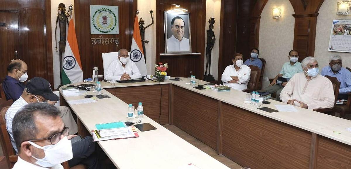 रायपुर: मुख्यमंत्री बघेल ने नवनिर्मित डेडीकेटेड कोविड अस्पताल व कोविड लैब का किया लोकार्पण