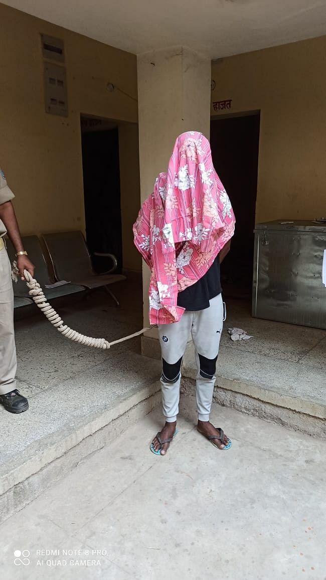 चोरी का आरोपित गिरफ्तार
