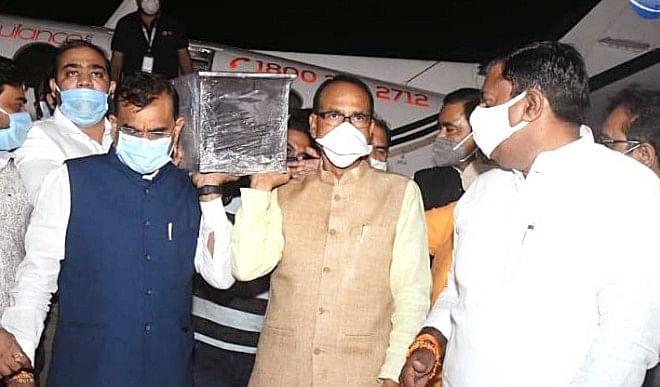 मध्य प्रदेश में मान्यता प्राप्त पत्रकार अग्रिम पंक्ति के कर्मियों की श्रेणी में शामिल : चौहान