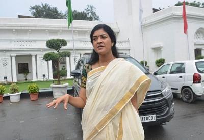 दिल्ली सरकार शहीद डॉक्टरों को 1 करोड़ की सम्मान राशि तुरंत जारी करे : अलका लांबा