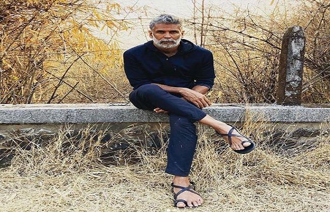 प्लाजमा डोनेट करने गए मिलिंद सोमन को डॉक्टर्स ने लौटाया बैरंग