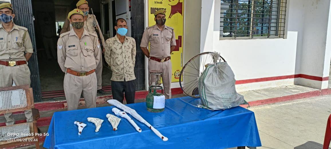 जंगल में चल रही अवैध शस्त्र फैक्ट्री का खुलासा, अवैध हथियारों का जखीरा बरामद